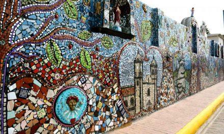 Mosaico monumental en Zacatlán